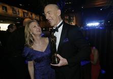 Ator J.K. Simmons no Baile do Governador com a mulher, Michelle Schumacher.  22/2/2015  REUTERS/Mario Anzuoni