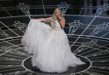 Lady Gaga se apresenta na premiação do Oscar. 22/02/2015.  REUTERS/Mike Blake