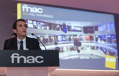 Conférence de presse du PDG du groupe Fnac, Alexandre Bompard. Le titre Fnac bondit de près de 10% et signe la plus forte hausse du CAC Mid & Small à la mi-séance jeudi. Le distributeur de biens culturels et d'électronique grand public a inscrit un nouveau plus haut au lendemain de l'annonce de ses résultats 2014.  /Photo prise le 27 février 2015/REUTERS/Philippe Wojazer