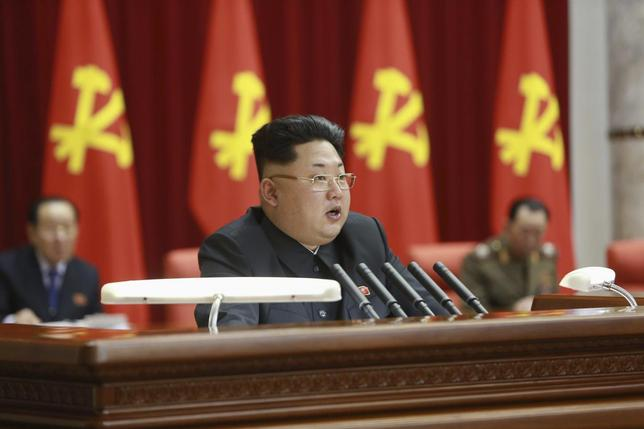 North Korean leader Kim Jong Un (C) supervises an expanded meeting of the Political Bureau of the Central Committee of the Workers' Party of Korea in Pyongyang in this February 18, 2015 photo released by North Korea's Korean Central News Agency (KCNA) in Pyongyang February 19, 2015. REUTERS/KCNA