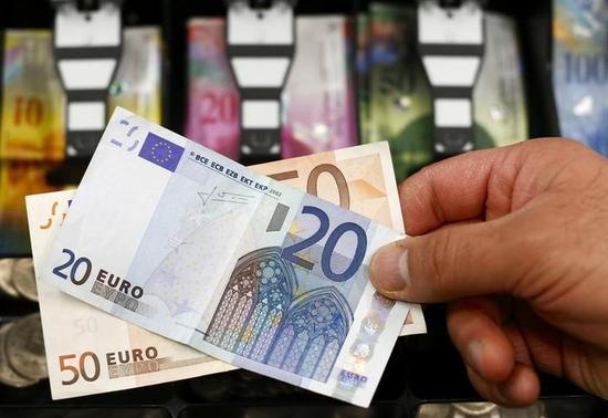 ユーロ/ドル一時1.10ドルを割り込む、ECBのQE詳細発表で