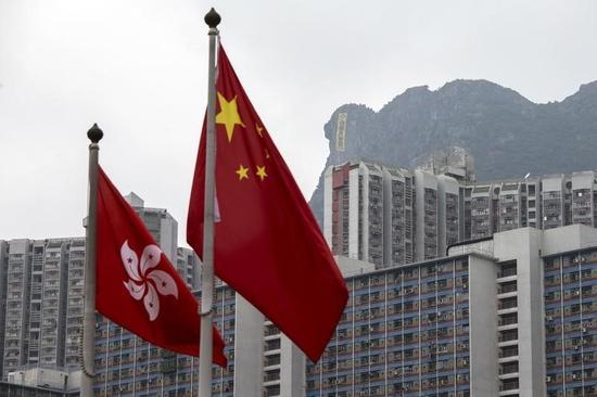中国政府、香港への本土観光客に関する政策見直しへ
