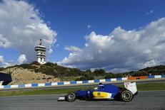 Marcus Ericsson, da Sauber, em teste no sul da Espanha. 04/02/2015  REUTERS/Marcelo del Pozo