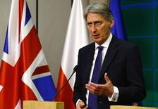 Ministro das Relações Exteriores da Grã-Bretanha, Philip Hammond, durante encontro em Varsóvia.  06/03/2015   REUTERS/Kacper Pempell