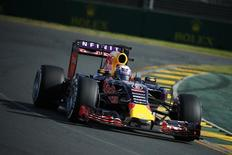 Red Bull Formula One driver Daniel Ricciardo of Australia drives during the Australian F1 Grand Prix at the Albert Park circuit in Melbourne March 15, 2015. REUTERS/Jason Reed