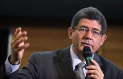 Ministro da Fazenda, Joaquim Levy, em discurso em São Paulo. 23/02/2014 REUTERS/Paulo Whitaker
