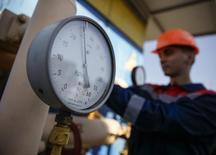 Датчик давления на газокомпрессорной станции под Ужгородом. 21 мая 2014 года. Украина в понедельник перечислила российскому Газпрому предоплату в размере $15 миллионов, сообщила Рейтер пресс-секретарь украинского импортера госкомпании Нафтогаз. REUTERS/Gleb Garanich