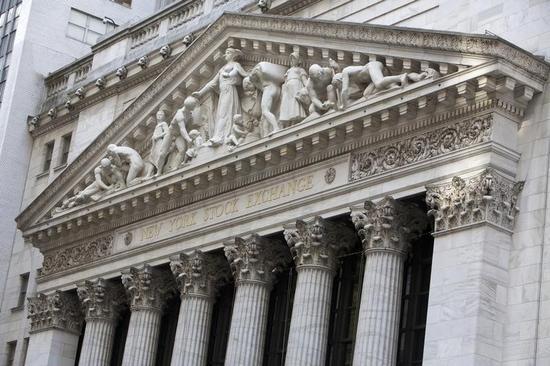 米国株式市場は大幅高、米早期利上げ懸念が後退