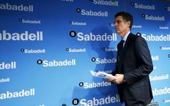 Le directeur général de Sabadell Jaume Guardiola. La banque britannique TSB recommande l'OPA de 1,7 milliard de livres (2,35 milliards d'euros) de son homologue espagnole, opération représentant l'une des plus grosses alliances bancaires transfrontalières depuis la crise financière de 2007-2009. /Photo prise le 20 mars 2015/REUTERS/Albert Gea