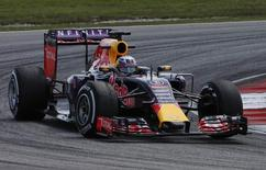 Formula One - F1 - Malaysian Grand Prix 2015 - Sepang International Circuit, Kuala Lumpur, Malaysia - 27/3/15 Red Bull's Daniel Ricciardo in action during practice Reuters / Olivia Harris