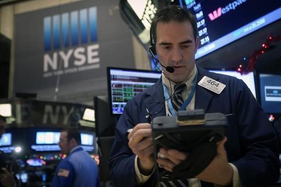 米国株式市場は続伸、M&A追い風に主要3指数が1%強上昇