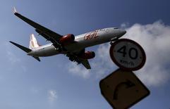 Avião da Gol pousa no aeroporto de Congonhas, em São Paulo, na semana passada. 24/03/2015 REUTERS/Nacho Doce