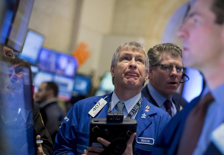 Traders work on the floor of the New York Stock Exchange April 2, 2015. REUTERS/Brendan McDermid
