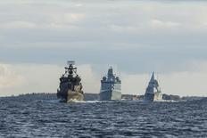 Военные корабли Финляндии, Дании и Швеции направляются в Турку в ходе учений Northern Coasts 2014. 31 августа 2014 года. Назвав Россию крупнейшей проблемой для европейской безопасности, северные страны решили углубить взаимоотношения в сфере обороны и увеличить сплоченность с балтийскими государствами, чтобы укрепить региональную безопасность посредством политики сдерживания. REUTERS/Roni Lehti/Lehtikuva