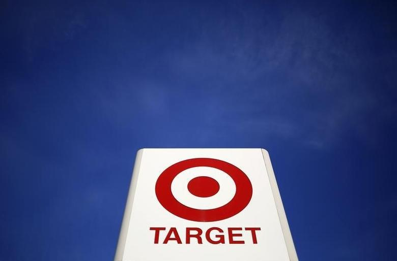 A sign for a Target store is seen in the Chicago suburb of Evanston, Illinois, February 10, 2015.  REUTERS/Jim Young