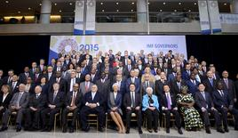 Finance Ministers and bank governors gather for a group photo of the International Monetary and Financial Committee (IMFC) governors, during the IMF and World Bank's 2015 Annual Spring Meetings, in Washington, April 18, 2015.   REUTERS/Mike Theiler
