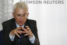 Ministro de Assuntos Estratégicos, Roberto Mangabeira Unger, em foto de arquivo de 2008. 01/08/2008 REUTERS/Jamil Bittar