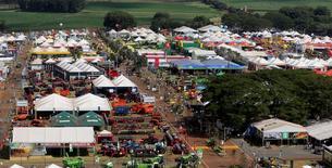 Vista aérea da feira Agrishow, em Ribeirão Preto, no interior de São Paulo, nesta segunda-feira. 27/04/2015 REUTERS/Paulo Whitaker