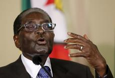 Zimbabwe's President Robert Mugabe speaks during a press briefing at the Union building in Pretoria, April 8, 2015. Mugabe is on a two-day state visit to South Africa.  REUTERS/Siphiwe Sibeko