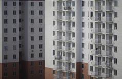 Prédio residencial durante fase de construção em Itaboraí, município do Rio de Janeiro.  31/03/2015  REUTERS/Ricardo Moraes
