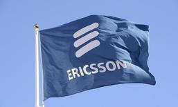 Ericsson va porter plainte contre Apple en Allemagne, en Grande-Bretagne et aux Pays-Bas concernant des redevances de licences. /Photo prise le 11 mars 2015/REUTERS/Jonas Ekstromer/TT News Agency