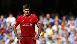 Steven Gerrard, em partida do Liverpool contra o Chelsea. 10/05/2015 Action Images via Reuters/John Sibley