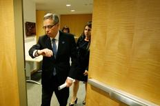 Canada's Minister of Finance Joe Oliver departs after a news conference after a meeting of G-20 finance ministers and central bank governors during the IMF-World Bank annual meetings in Washington October 10, 2014.  REUTERS/Jonathan Ernst