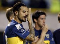 Boca Juniors' Daniel Osvaldo (L) gestures after the Copa Libertadores soccer match against River Plate was suspended in Buenos Aires, Argentina, May 14, 2015. REUTERS/Enrique Marcarian