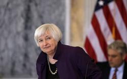 Chair do Federal Reserve, Janet Yellen, chega para encontro no Departamento do Tesouro dos EUA, em Washington 19/05/ 2015. REUTERS/Carlos Barria