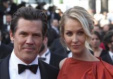 Josh Brolin e a namorada Kathryn Boyd no Festival de Cannes. 19/10/2015 REUTERS/Yves Herman