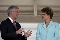 Presidente do Uruguai, Tabaré Vázquez, conversa com a presidente Dilma Rousseff no Palácio do Planalto, em Brasília. 21/05/2015 REUTERS/Ueslei Marcelino