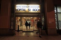 Entrada do hospital Saint Roch, onde o piloto de Fórmula 1 Jules Bianchi, em coma, está sendo tratato, em Nice, na França. 19/11/2014 REUTERS/Eric Gaillard