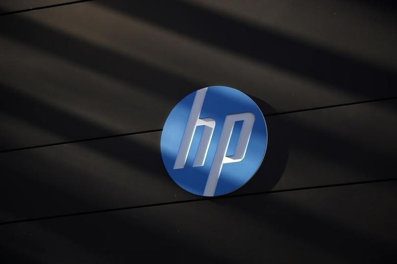 A Hewlett-Packard logo is seen at the company's Executive Briefing Center in Palo Alto, California January 16, 2013. REUTERS/Stephen Lam