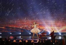 """Singer Maria Olafs representing Iceland performs the song """"Unbroken"""" during the second semifinal, May 21, 2015. REUTERS/Leonhard Foeger"""