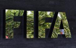 Logo da Fifa na sede da entidade que comanda o futebol mundial em Zurique. 27/05/20215 REUTERS/Ruben Sprich