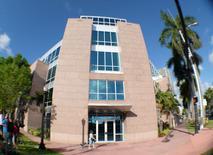 Prédio que abriga os escritórios da Concacaf durante busca realizada por agentes do FBI em Miami. 27/05/2015 REUTERS/Gaston De Cardenas