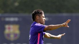 Neymar participa de treino do Barcelona.  29/5/2015.  REUTERS/Gustau Nacarino