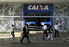Agência da Caixa no centro do Rio de Janeiro. 20/08/2014 REUTERS/Pilar Olivares