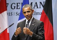 Президент США Барак Обама на пресс-конференции по итогам саммита G7 в Германии. 8 июня 2015 года. Российские силы продолжают проводить операции на востоке Украины, несмотря на опровержения Москвы, и крупные промышленные демократии мира готовы при необходимости ввести против нее еще более жесткие санкции, заявил в понедельник президент США Барак Обама. REUTERS/Kevin Lamarque