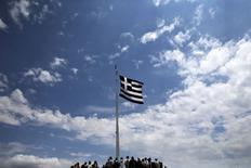 Le gouvernement grec a tenté mardi de se rapprocher d'un compromis au sujet de la dette du pays en soumettant à ses bailleurs de fonds une nouvelle proposition de réformes aussitôt jugée insuffisante par des responsables de l'Union européenne. /Photo prise le 5 juin 2015/REUTERS/Alkis Konstantinidis