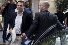 Premiê grego, Alex Tsipras, chega para encontro do partido governista Syriza em Atenas. 09/06/2015 REUTERS/Alkis Konstantinidis
