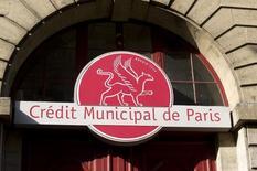 CMP Banque, la banque du Crédit Municipal de Paris, va cesser prochainement ses activités après avoir cumulé 16,9 millions d'euros de pertes depuis 2011 dans son activité de restructuration de crédits aux particuliers. /Photo d'archives/REUTERS/Philippe Wojazer