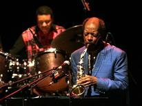 Saxofonista de jazz Ornette Coleman durante show em Madri. 11/11/2007.REUTERS/Andrea Comas