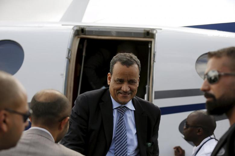 United Nations envoy to Yemen Ismail Ould Cheikh Ahmed steps out of a plane upon arrival at the international airport of Sanaa, Yemen May 29, 2015. REUTERS/Khaled Abdullah