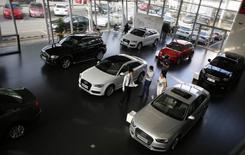 Audi, la marque haut de gamme du groupe Volkswagen, affiche une baisse de 1,6% de ses ventes en mai en Chine, le constructeur allemand accusant un premier repli mensuel depuis février 2013 des livraisons sur son premier marché.  /Photo d'archives/REUTERS/Carlos Barria