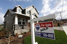 Casas a la venta, en el área noroeste de Portland, Oregon, 20 de marzo de 2014. Las solicitudes de crédito hipotecario en Estados Unidos cayeron la semana pasada debido a que las tasas de interés subieron hasta tocar su nivel más alto desde octubre del 2014, dijo el miércoles un grupo del sector. REUTERS/Steve Dipaola