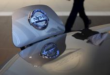 Le nouveau moteur électrique produit en France pour la Zoé de Renault pourrait également équiper à l'avenir des modèles de Nissan, selon le directeur commercial des véhicules électriques du constructeur français. Le moteur, nom de code R240 car il permet une autonomie de 240 kilomètres contre 210 avec le moteur précédent, est fabriqué depuis avril dans l'usine Renault de Cléon (Seine-Maritime). /Photo d'archives/REUTERS/Toru Hanai