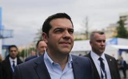 El primer ministro griego, Alexis Tsipras, asiste al Foro Económico Internacional de San Petersburgo 2015, en San Petersburgo, Rusia, 18 de junio de 2015. La crisis de deuda de Grecia es un problema de toda Europa y la Unión Europea se enfrenta a la disyuntiva de mostrar solidaridad con Atenas o apegarse a políticas de austeridad que no conducen a ningún lado, dijo el viernes primer ministro griego. REUTERS/Maxim Shemetov