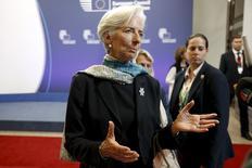 La directora gerente del Fondo Monetario Internacional, Christine Lagarde, habla antes de dejar la Comisión Europea, luego de una reunión en Bruselas, Bélgica, 22 de junio de 2015. Grecia debe presentar planes de reforma creíbles, que no pueden ser construidos sólo sobre promesas de mayores ingresos impositivos, dijo la directora gerente del Fondo Monetario Internacional, Christine Lagarde, en una entrevista con la revista francesa Challenges publicada el miércoles. REUTERS/Charles Platiau