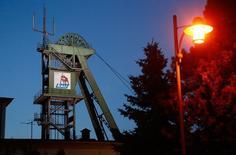 Un site du groupe K+S près d'Unterbreizbach, dans le centre de l'Allemagne. Le producteur allemand de potasse a reçu une offre de rachat de la part du fabricant canadien d'engrais Potash Corp of Saskatchewan, ouvrant potentiellement la voie à une nouvelle bataille boursière dans le secteur. /Photo d'archives/REUTERS/Ralph Orlowski